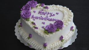 Romantic Anniversary Cake Must-Have for Vow Renewl